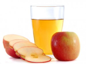apple cider vinegar in glass